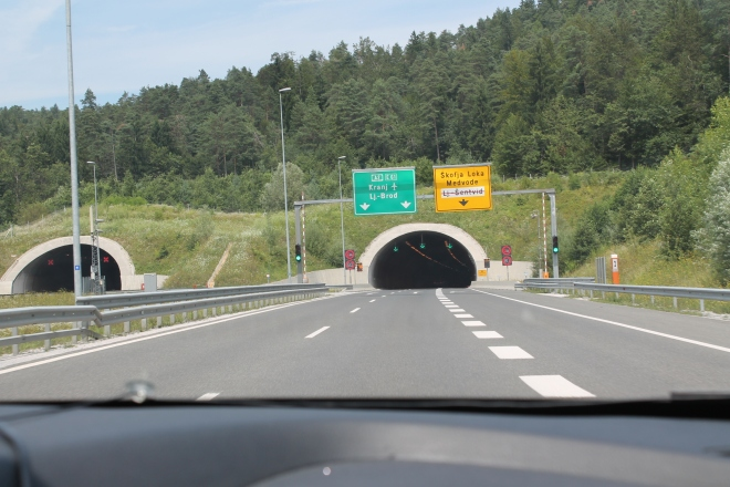 På väg hemåt. och åter massa tunnlar.