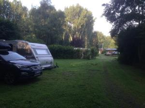 Lite bilder ifrån campingen. Det är ljusare och trevligare än det ser ut.